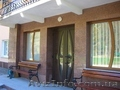 Барные стойки,  столы,  лестницы,  столешницы  из мрамора и гранита