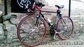 Спортивный (шоссейный)велосипед.