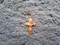 Продам золотой кулон-крестик (Иисус Христос - Сис) (б/у)