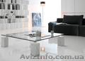 Итальянская мебель из стекла и стеклянные изделия: столы,  стулья,  тумбочки